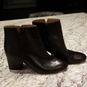 Franco Sarto black leather ankle boots EUC